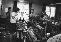 Rosma koolimajas kudumine 1966-1970 a.vasakult: Salme Ortus, Helgi Adamson, Milvi Lukats, Linda Valli